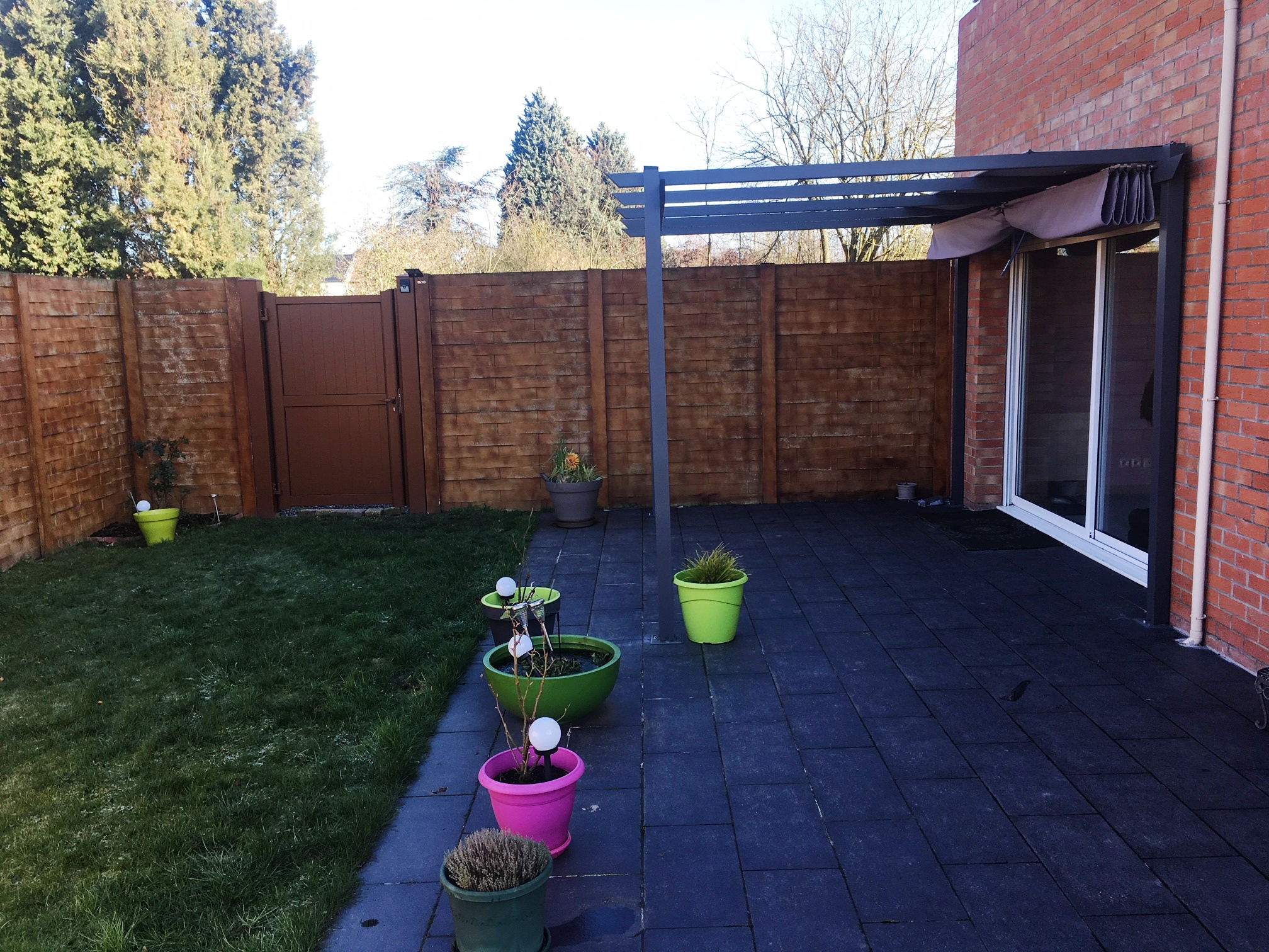 grande terrasse et jardin