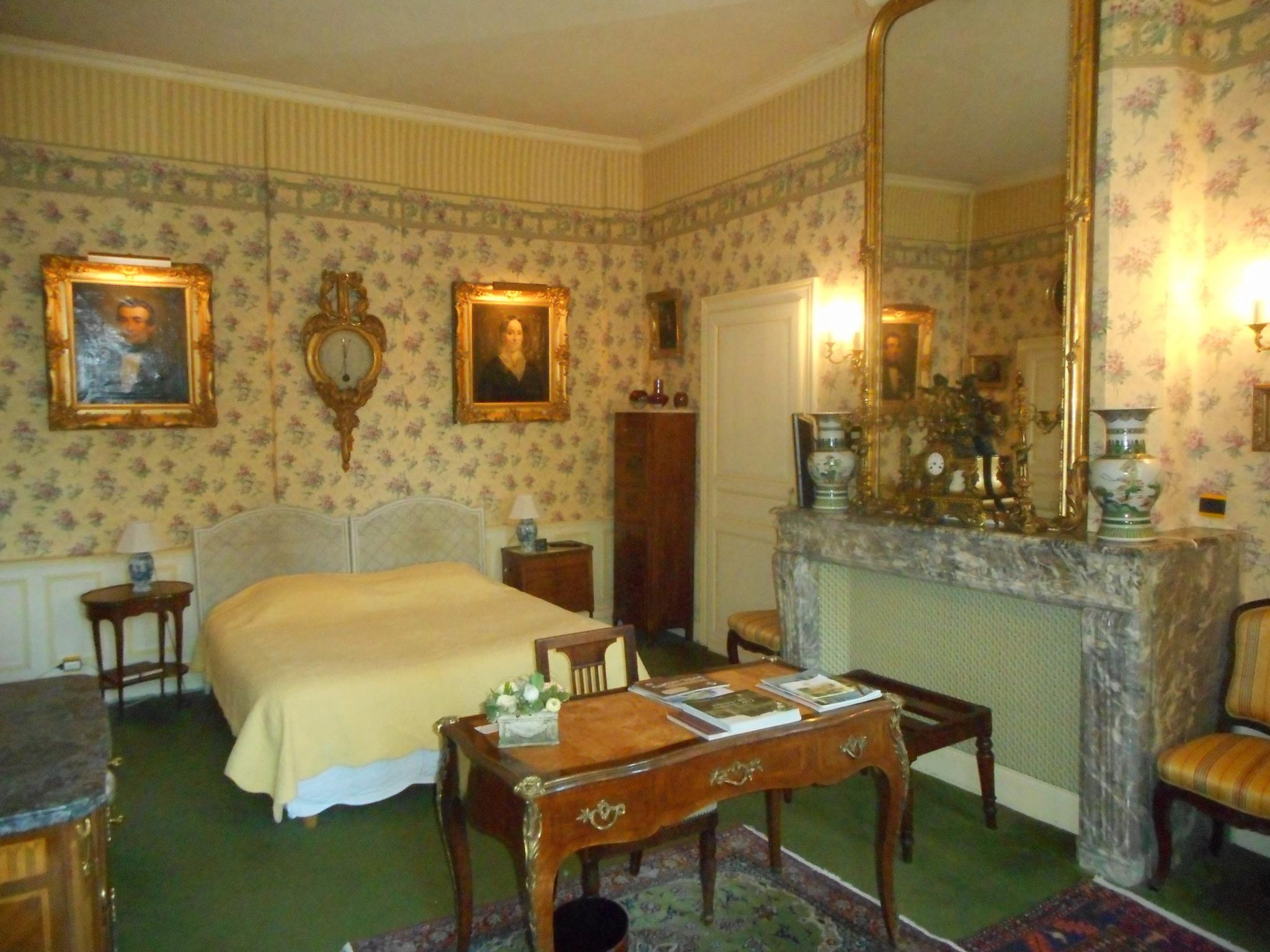 Chateau Jenlain chambre d hotes   Annie Caillier 0683162981