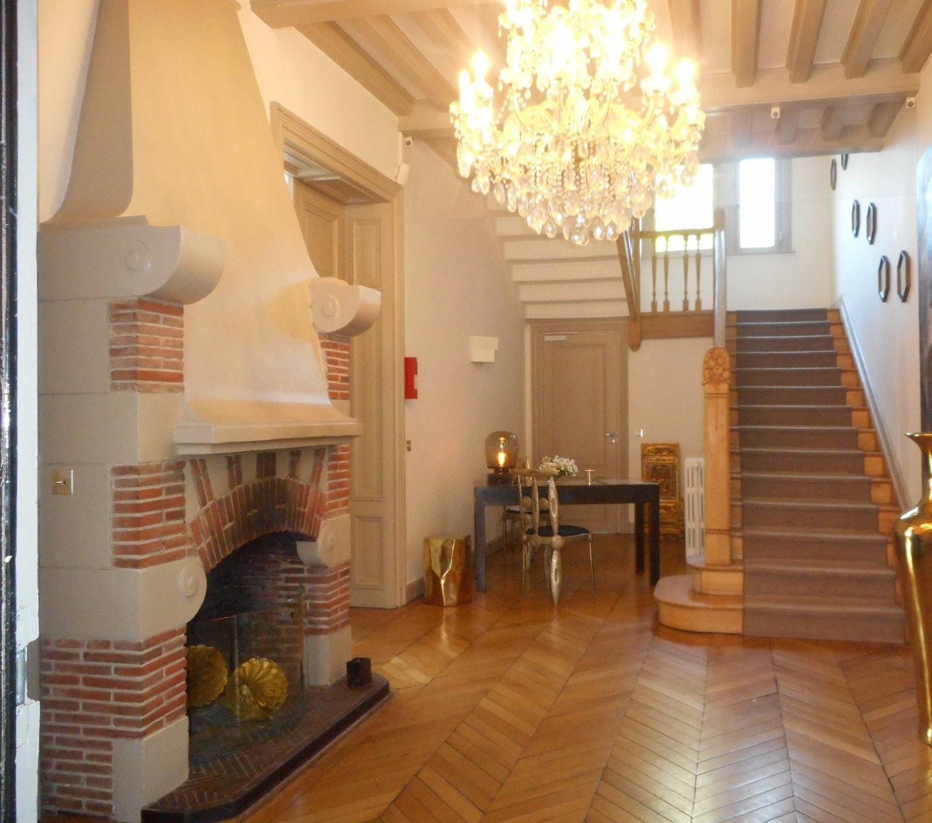 Hotel particulier Lille entièrement restauré  Hall d'entrée