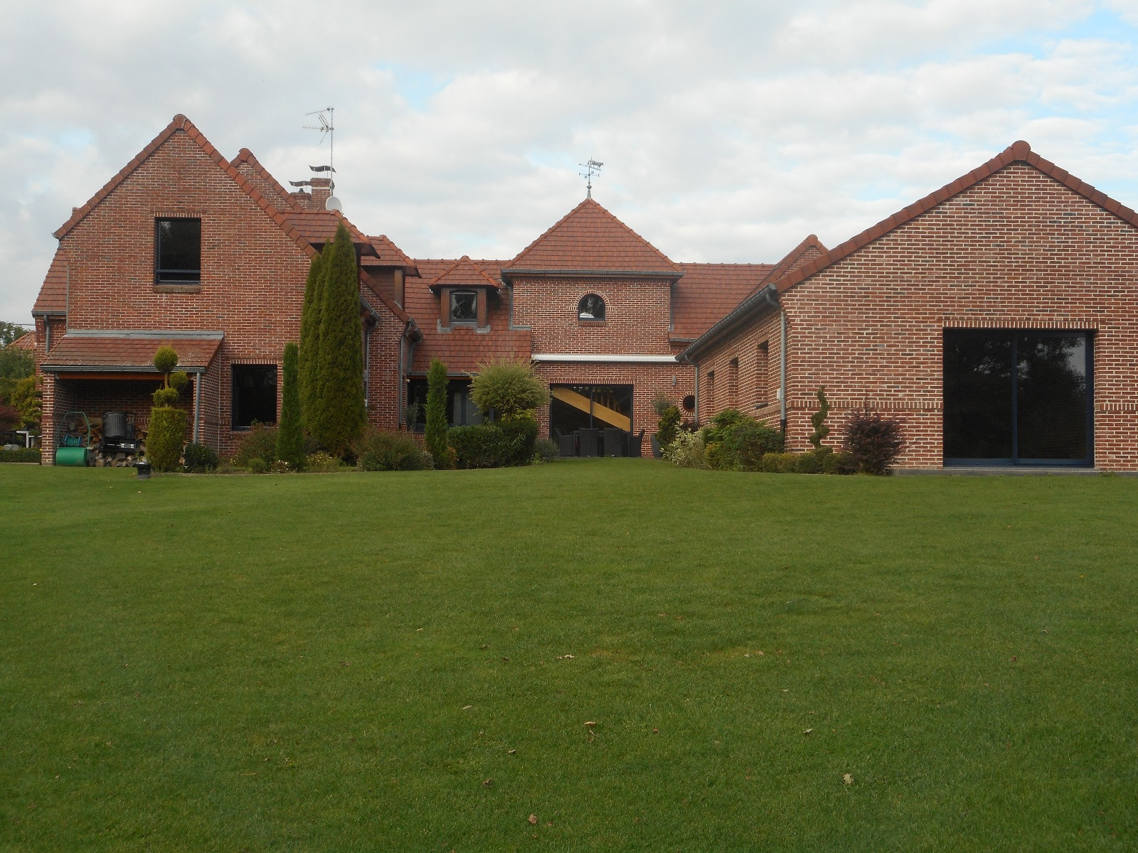 maison d architecte  Villereau avec piscine interieure  Parc arboré