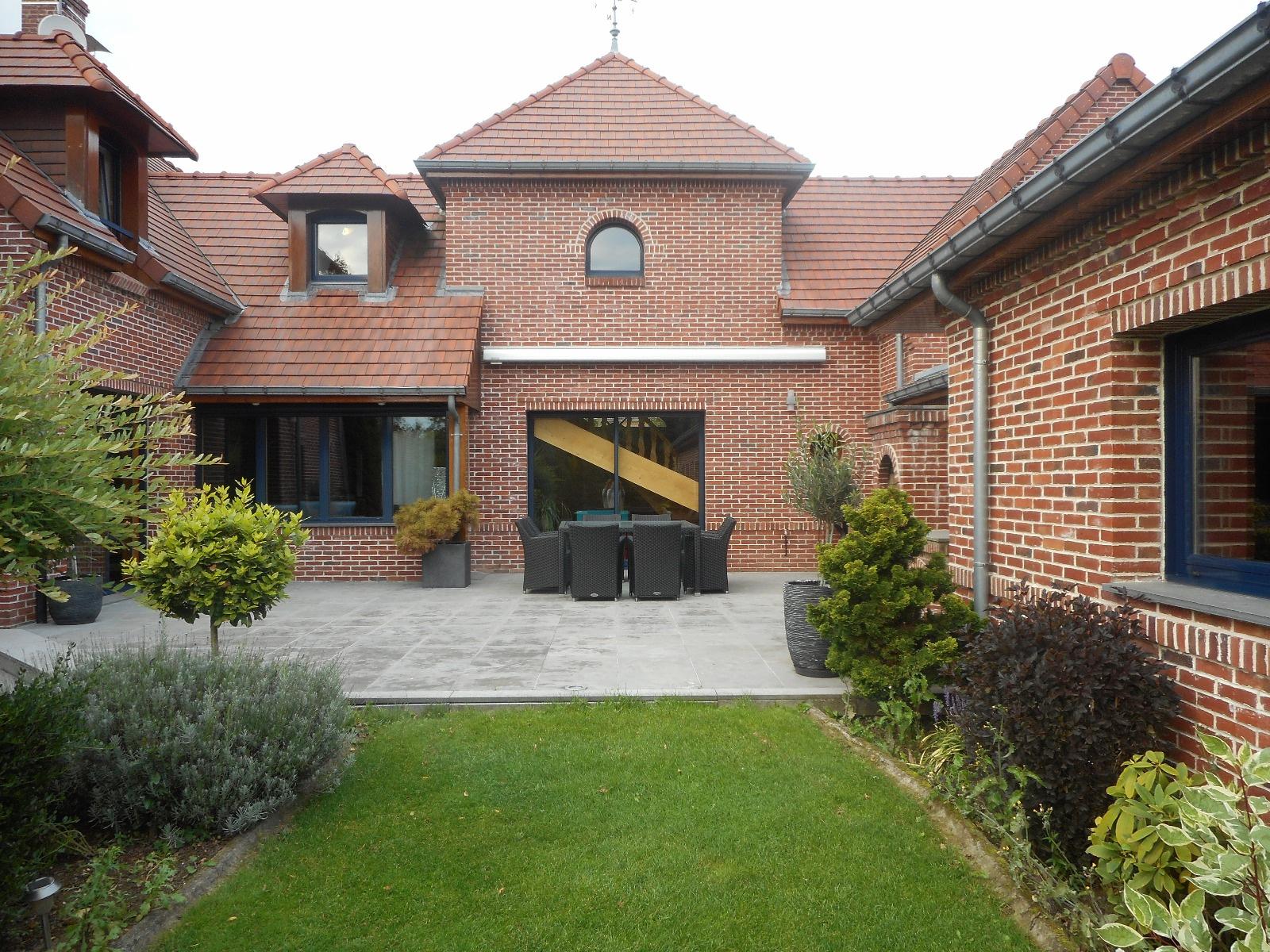 Maison d'architecte Villereau piscine interieure  Annie Caillier 0683162981