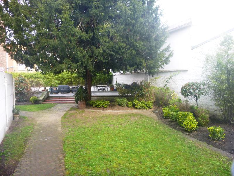 Maison de Maitre centre ville Valenciennes 400m²  Annie Caillier  tel 0683162981