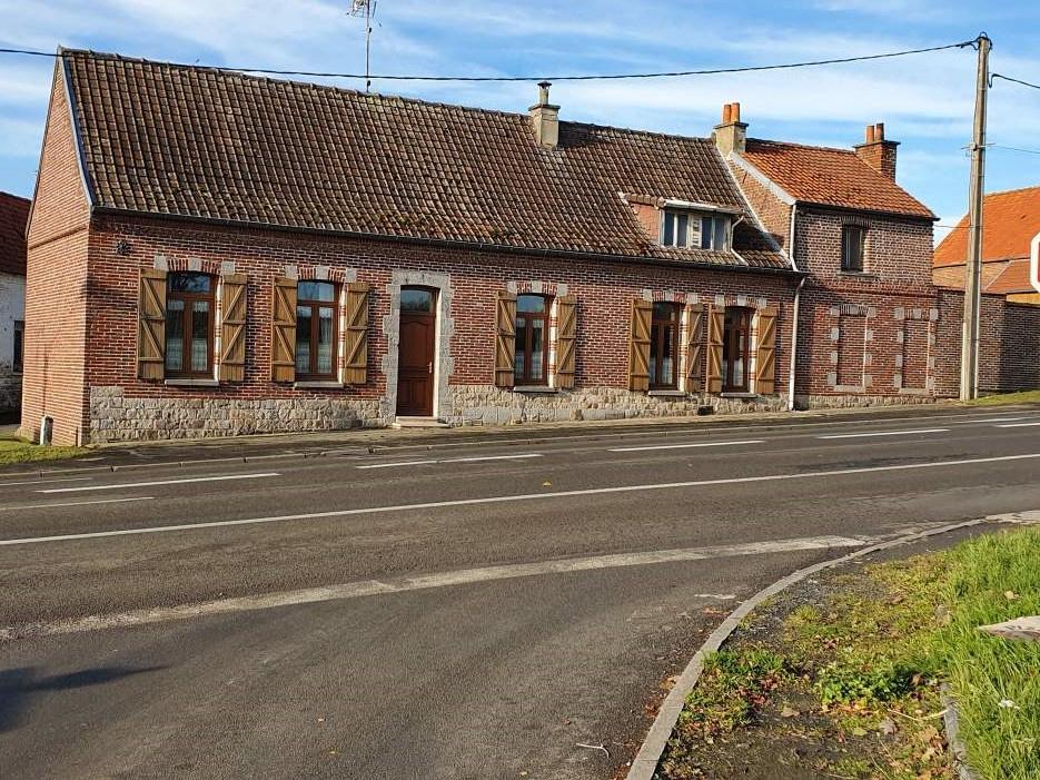 Ensemble immobilier longere maison 2 granges terrain garage 468000€ FAI   ANNIE CAILLIER 0683162981
