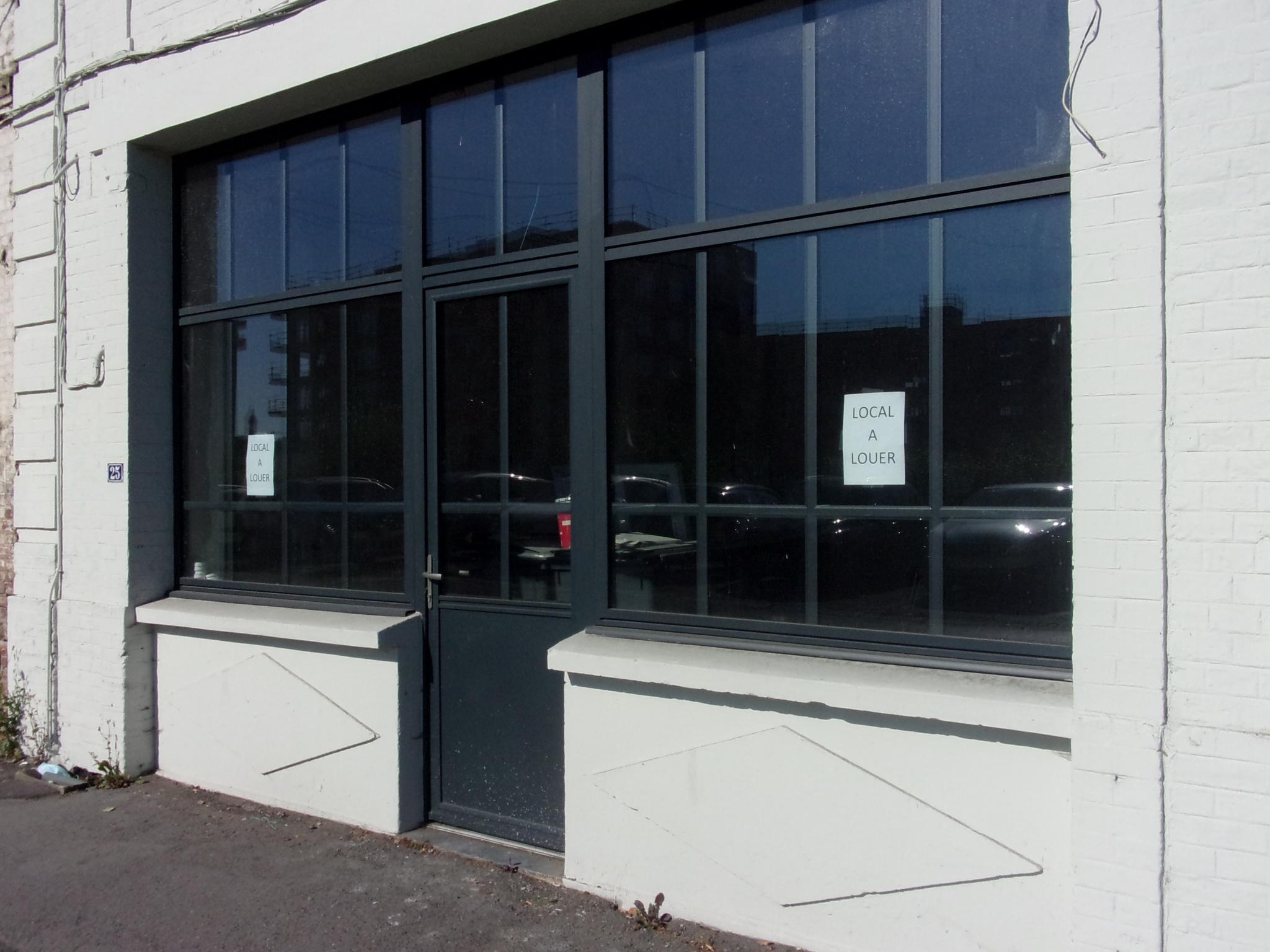 BUREAU a louer Valenciennes 80m²  950€ secteur prisé  Annie CAILLIER 0683162981