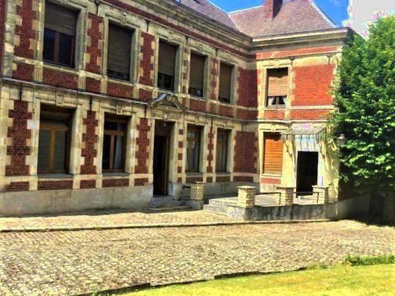 MAISON BOURGEOISE LE CATEAU  GROS POTENTIEL  265m²   194000€  FAI  ANNIE CAILLIER 0683162981